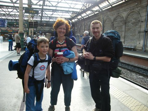 Photo of passengers at Edinburgh Waverley