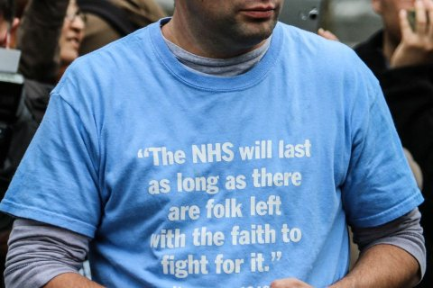 """""""Junior Doctors' Protest"""" by Rohin Francis is licensed with CC BY 2.0. To view a copy of this license, visit https://creativecommons.org/licenses/by/2.0/"""