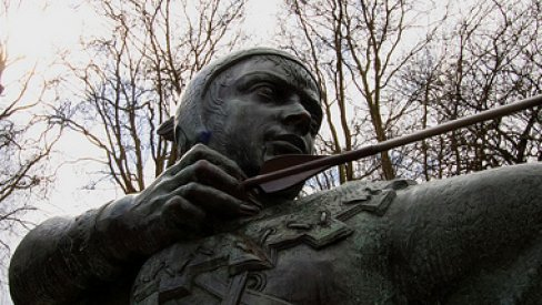 Photo of Robin Hood statue in Nottingham